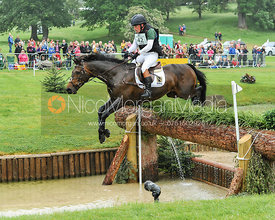 Simon Grieve and DRUMBILLA METRO - CCI***