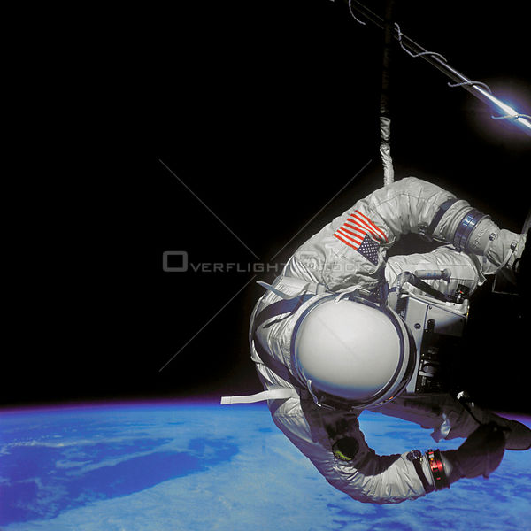 EARTH -- 12 Nov 1966 -- Edwin E Aldrin Jnr, pilot of the Gemini 12 spacecraft performs extravehicular activity (EVA) during t...