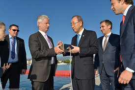 Ban Ki-Moon turn on Geneva Jet d'Eau