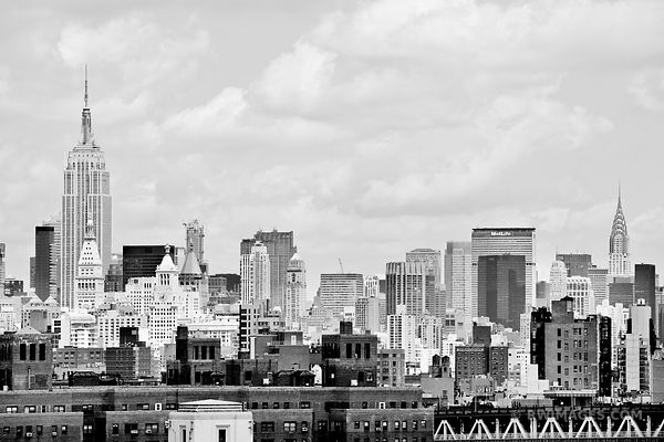 MANHATTAN SKYLINE NEW YORK CITY BLACK AND WHITE