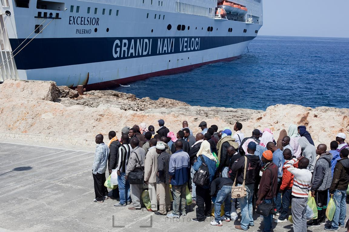 Regard Direct Photography | Illegal Immigration in Lampedusa