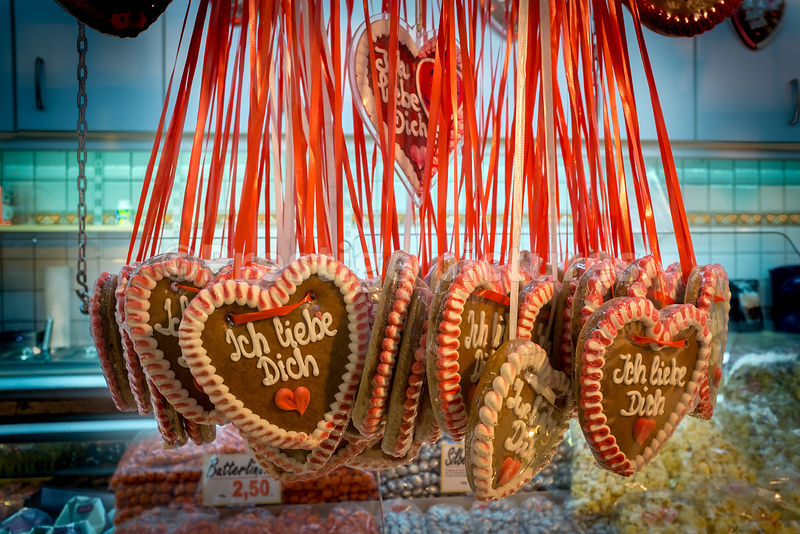 Gingerbread hearts for sale - Ich Liebe Dich (I love you)