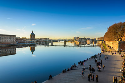 Along the Garonne river at Toulouse city before sunset in France