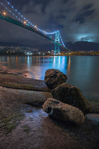 Low Tide view of Lions Gate Bridge