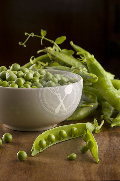 Fresh green peas with pods