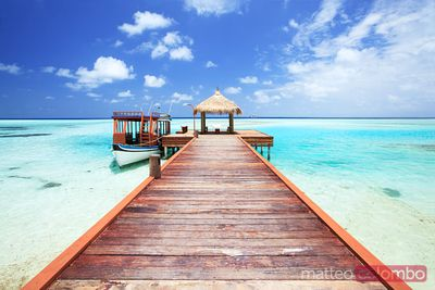 Pier to tropical seain the Maldives, Indian ocean