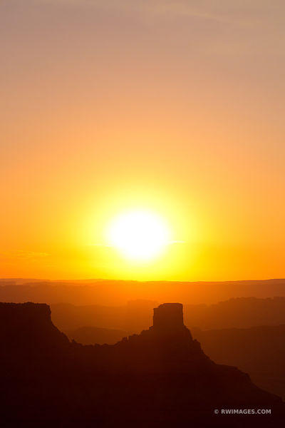 SUNRISE DEAD HORSE POINT STATE PARK CANYONLANDS NATIONAL PARK UTAH COLOR VERTICAL