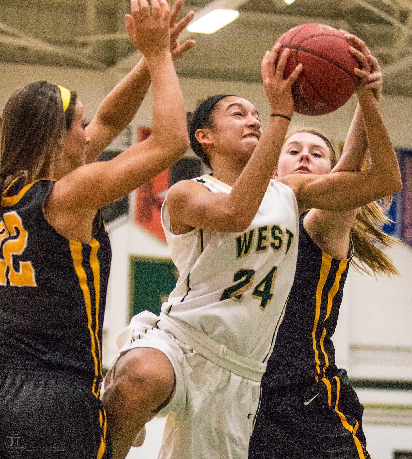 Girls Basketball Iowa City West vs Bettendorf 1-21-14