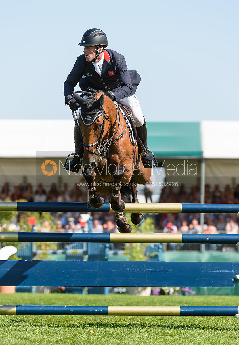 Oliver Townend and COOLEY SRS, showjumping phase, Land Rover Burghley Horse Trials 2018