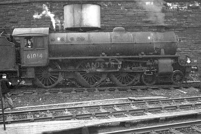 PHOTOS OF B1 CLASS 4-6-0 STEAM LOCOS