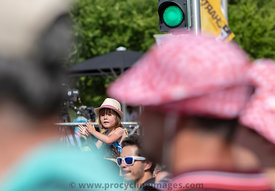 Cheering the Cyclists - Tour de France 2018