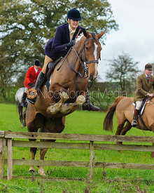 Debbie Barnes - The Cottesmore Hunt at Tilton on the Hill, 9-11-13