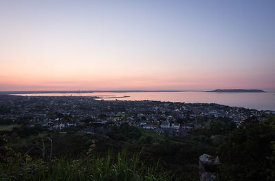 Killiney_Hill_-_sunset_over_Dublin