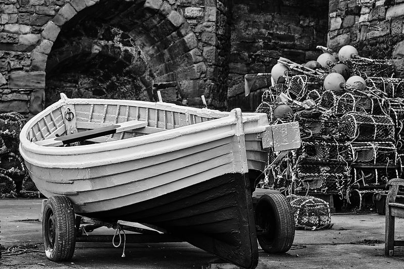 Fishing boat (Black and White)