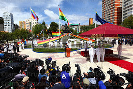 The national press covers Bolivian president Evo Morales Ayma's speech to the nation during official events for Dia del Mar /...