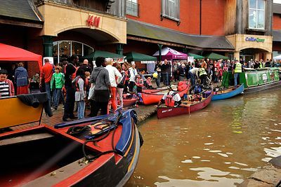 Canoes on the Oxford Canal by the Castle Quay Shopping Centre in Banbury