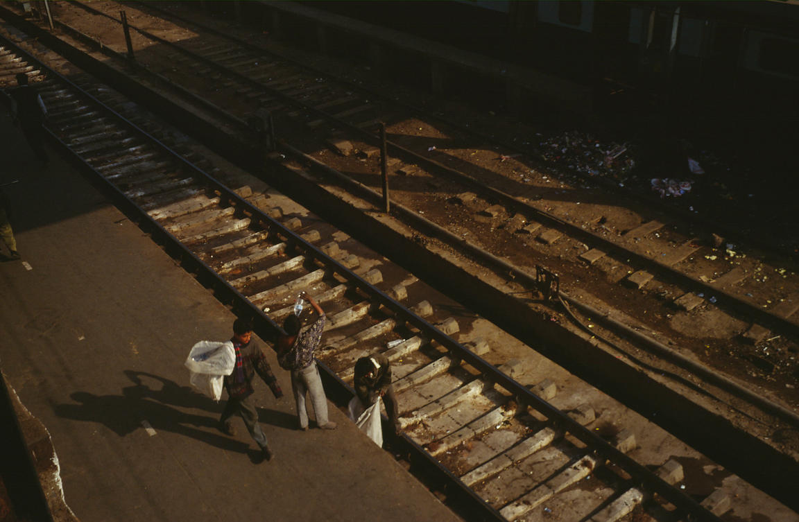 India - Delhi - Rag pickers at New Delhi Railway station