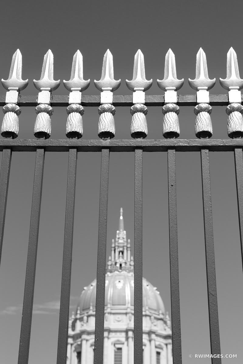 SAN FRANCISCO CITY HALL BLACK AND WHITE
