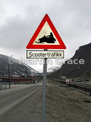 Scootertrafikk (Snowmobile) warning sign, Longyearbyen, Svalbard