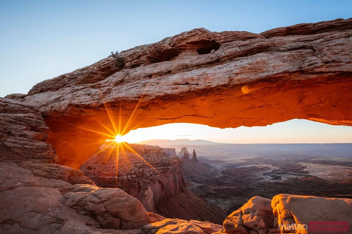 Mesa arch sunrise, Canyonlands national park, Utah, USA
