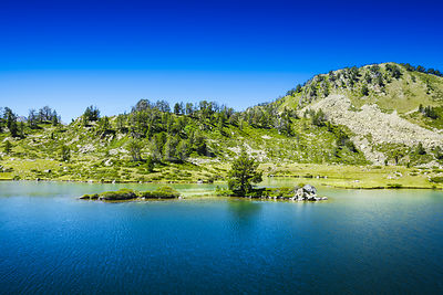 Little island over the Lac de Bastan, Saint Lary Soulan
