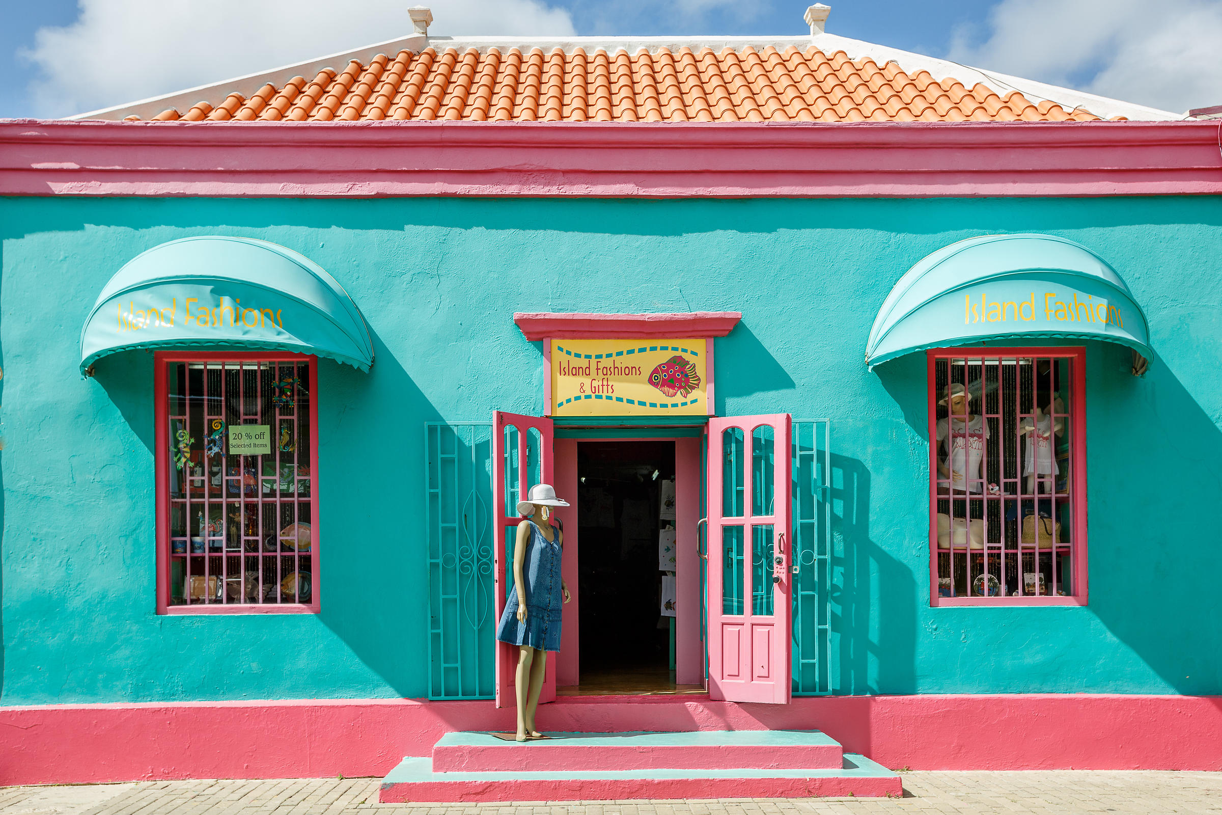 Brightly coloured fashion shop in Kralendijk, Bonaire