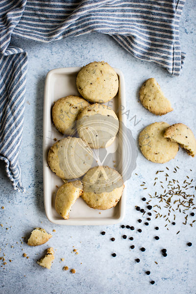 spiced cookies sables cumin black pepper