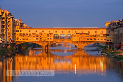 Ponte Vecchio at sunrise.