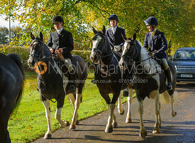 arriving at the meet at Preston Lodge - Opening Meet 2016