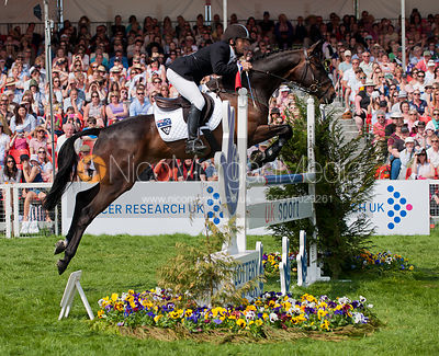 Sam Griffiths and Happy Times - Show Jumping