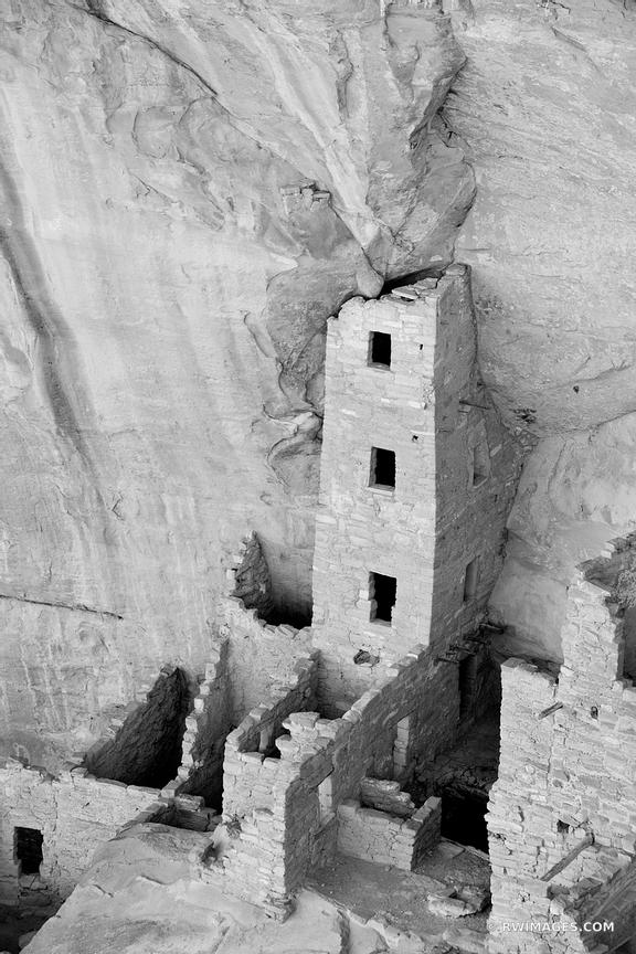 SQUARE HOUSE RUINS MESA VERDE NATIONAL PARK COLORADO BLACK AND WHITE VERTICAL