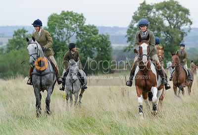 Tiny Clapham, Clare Bell - The Cottesmore Hunt at Betts Barn 27/9