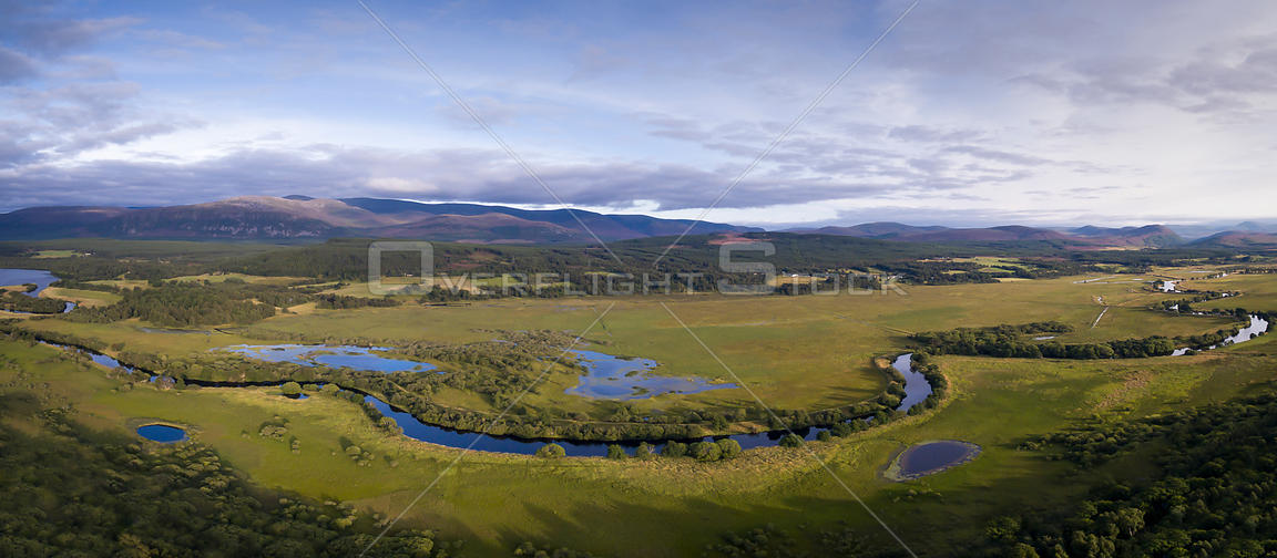 River Spey meandering through Insh Marshes, with oxbow lakes beside it, Cairngorms National Park, Scotland, UK, August 2016.