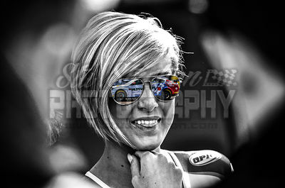 8_-_Grid_Girl_Glasses_Reflection