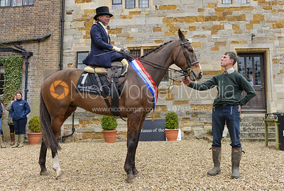 Lizzie Harris and SMITHS HILL's owner Tim Rogers - Dianas of the Chase - Side Saddle Race 2014.