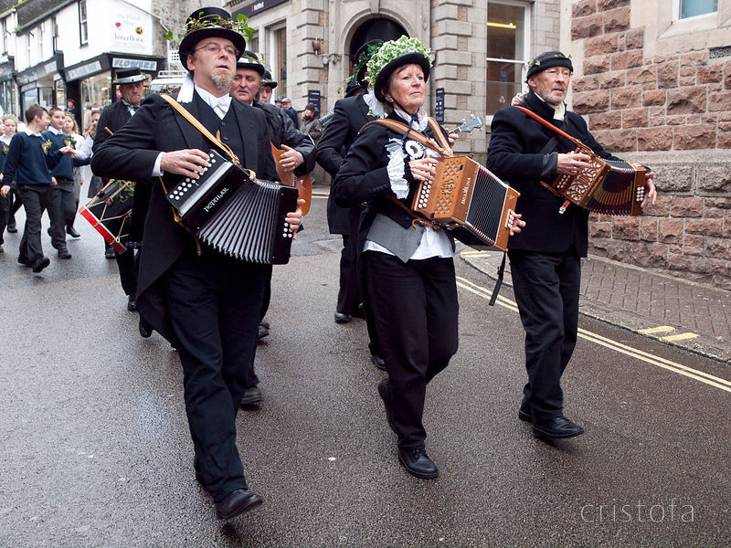 the band leads the St Ives Feast parade