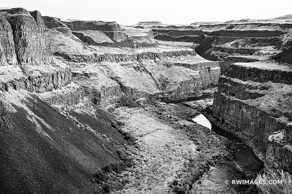 PALOUSE FALLS STATE PARK PALOUSE WASHINGTON BLACK AND WHITE