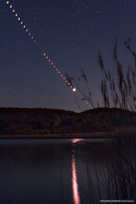 Reflection of the total lunar eclipse - Upaix