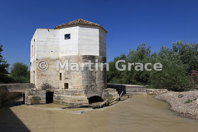 The medieval Molino de San Antonio (corn mill of St Anthony), Cordoba, Rio Guadalquivir, Cordoba, Andalusia, Spain