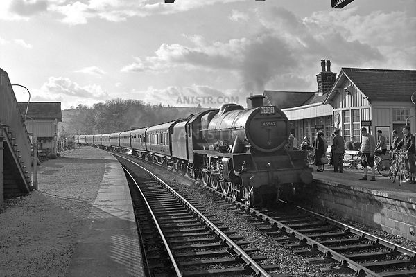 Steam loco Jubilee 45562  Bolton Abbey