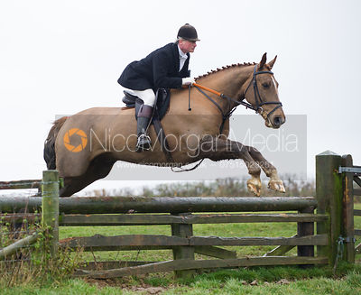 Nick Wright jumping fences at Stone Lodge Farm - The Cottesmore at John O'Gaunt 24/11/12