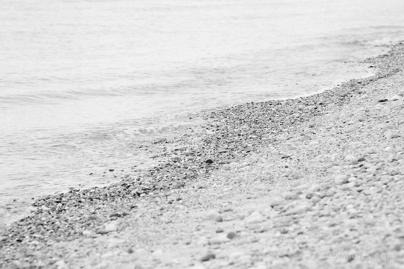 STONE BEACH MARTHA'S VINEYARD BLACK AND WHITE